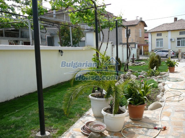 10596:10 - Cozy bulgarian apartments for rent in SPA resort near Kazanlak