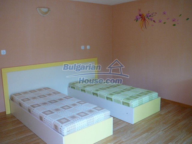 10596:13 - Cozy bulgarian apartments for rent in SPA resort near Kazanlak