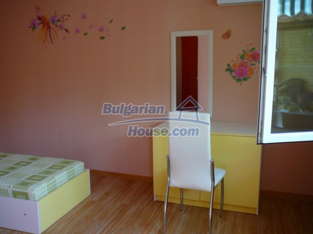 10596:14 - Cozy bulgarian apartments for rent in SPA resort near Kazanlak