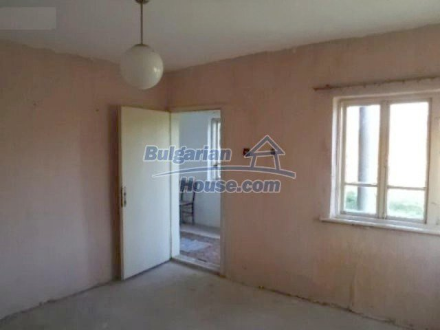 10605:3 - Affordable House in Bulgaria near the forest and the lake,Dobric