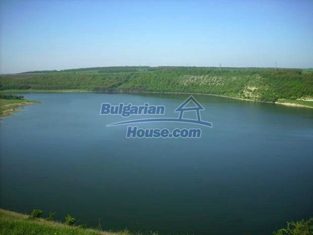 10605:12 - Affordable House in Bulgaria near the forest and the lake,Dobric