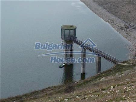 10605:17 - Affordable House in Bulgaria near the forest and the lake,Dobric