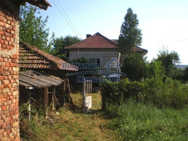 10620:3 - Cozy Bulgarian house in Vratsa region with pine forest views