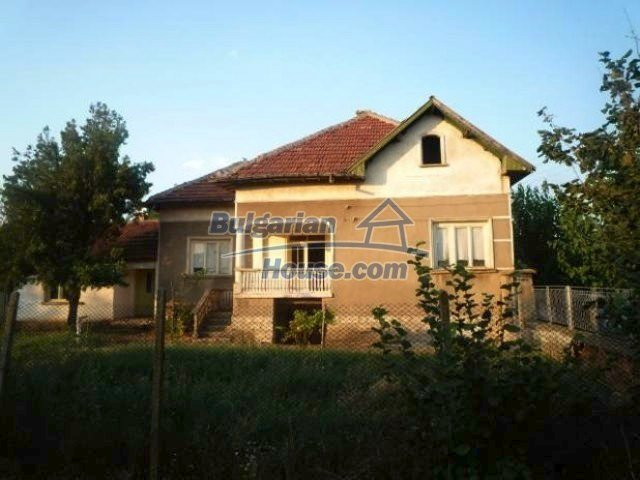 10623:1 - SOLD.Cheap House near Vratsa and Danube river
