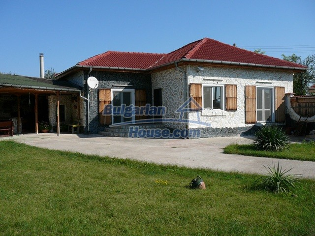 10626:1 - Renovated Property for sale in Bulgaria with swimming pool