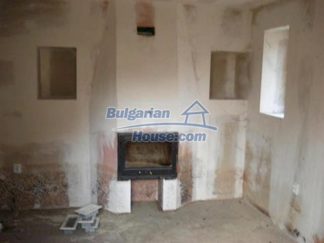 10634:15 - Partly renovated Bulgarian house for sale in Provadia, Varna