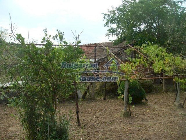 10640:12 - Cheap house near the river Kamchiya Tsonevo lake, Shkorpilovci