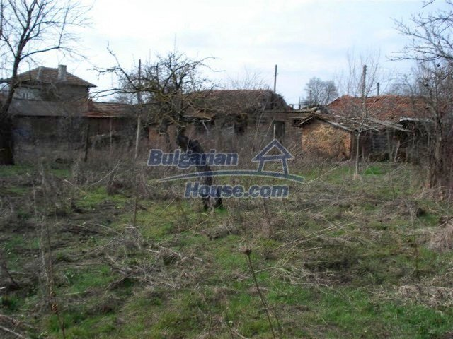 10640:13 - Cheap house near the river Kamchiya Tsonevo lake, Shkorpilovci