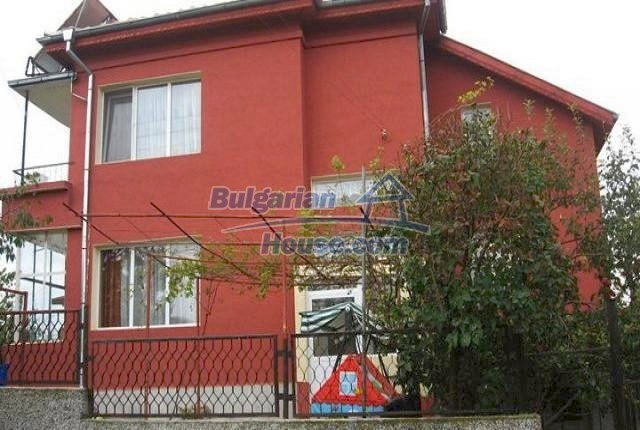 10643:1 - Two-storey house in Bulgaria,close to the Black sea,near Dobrich