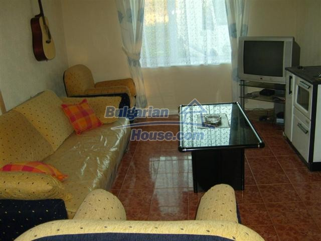 10652:8 - A large and well maintained two-storey house near Yambol town