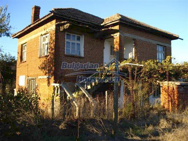 10661:1 - Rural Bulgarian house for sale in Elhovo region