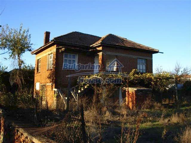 10661:3 - Rural Bulgarian house for sale in Elhovo region