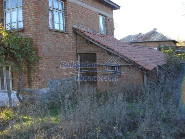 10661:5 - Rural Bulgarian house for sale in Elhovo region