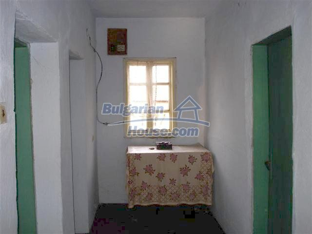 10661:10 - Rural Bulgarian house for sale in Elhovo region