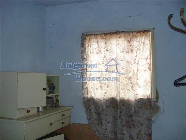 10661:13 - Rural Bulgarian house for sale in Elhovo region