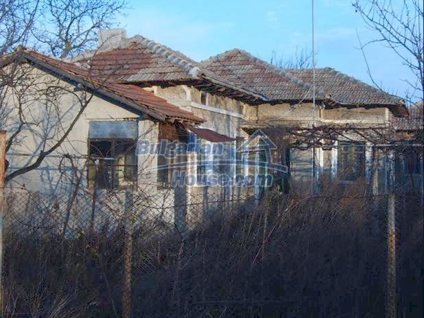 10669:2 - A cheap single-storey house in Dobrich, near the sea