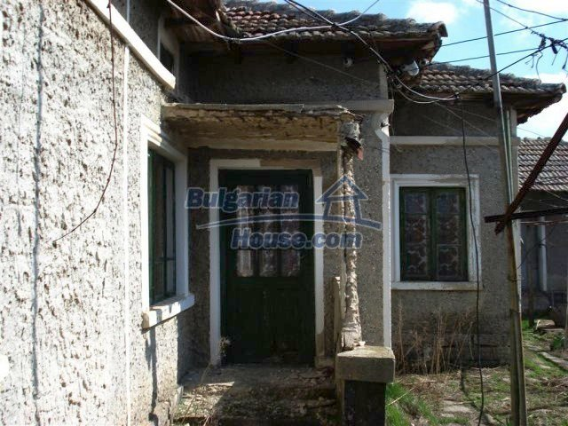 10669:13 - A cheap single-storey house in Dobrich, near the sea