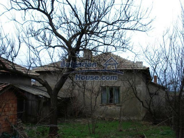 10669:15 - A cheap single-storey house in Dobrich, near the sea