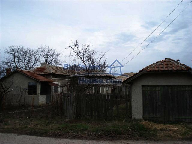 10669:19 - A cheap single-storey house in Dobrich, near the sea