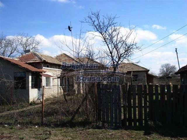 10669:20 - A cheap single-storey house in Dobrich, near the sea