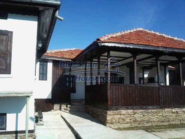 10677:2 - A renovated single-floor house near Varna,traditional style
