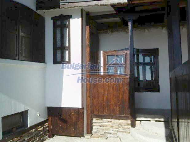 10677:4 - A renovated single-floor house near Varna,traditional style
