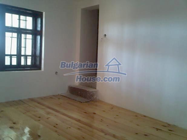 10677:8 - A renovated single-floor house near Varna,traditional style