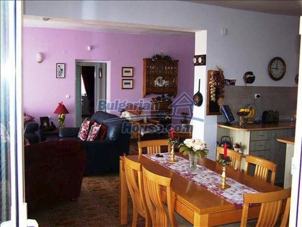 10680:12 - Lovely Furnished Bulgarian house near Dobrich