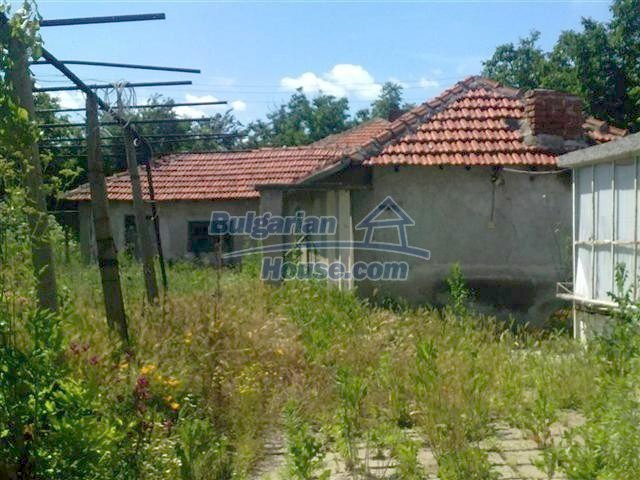 10686:14 - Big two-storey house with a garden near Elhovo