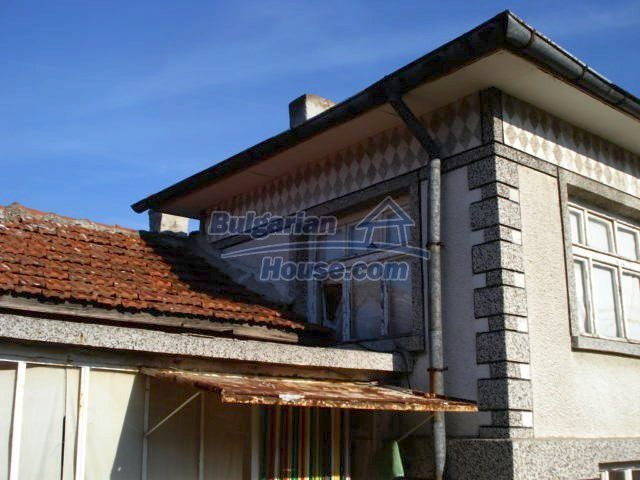 10686:4 - Big two-storey house with a garden near Elhovo