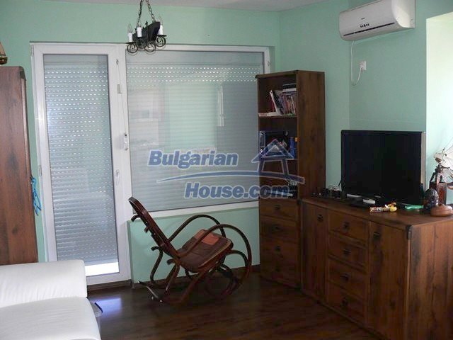 10689:3 - Two-bedroom apartment with sea view in Burgas
