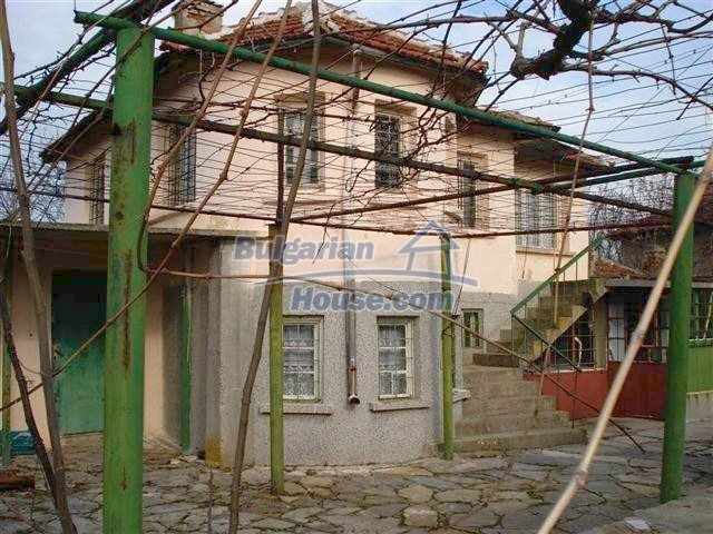 10694:2 - Two-storey house with garden in General Toshevo