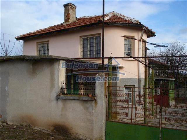 10694:3 - Two-storey house with garden in General Toshevo