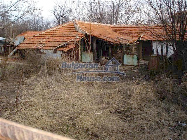 10694:8 - Two-storey house with garden in General Toshevo
