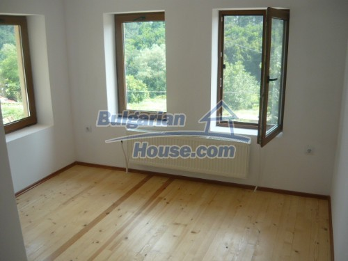 10697:11 - A renovated two-storey house near Veliko Turnovo