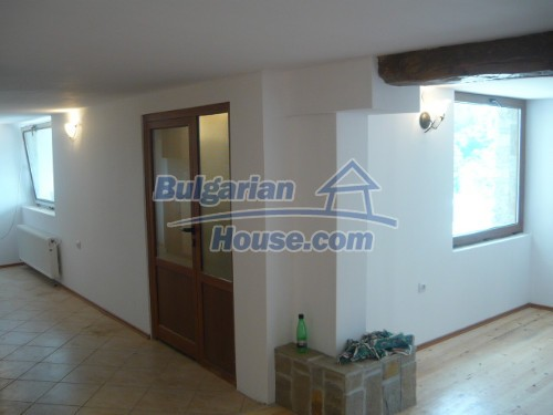 10697:5 - A renovated two-storey house near Veliko Turnovo