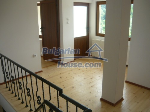 10697:10 - A renovated two-storey house near Veliko Turnovo