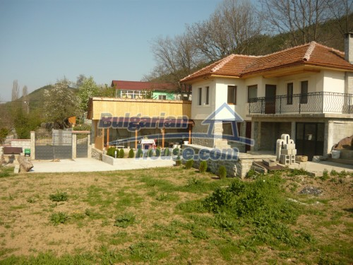 10697:19 - A renovated two-storey house near Veliko Turnovo