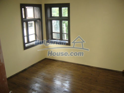 10698:13 - Lovely renovated Bulgarian property in Veliko Tarnovo Region