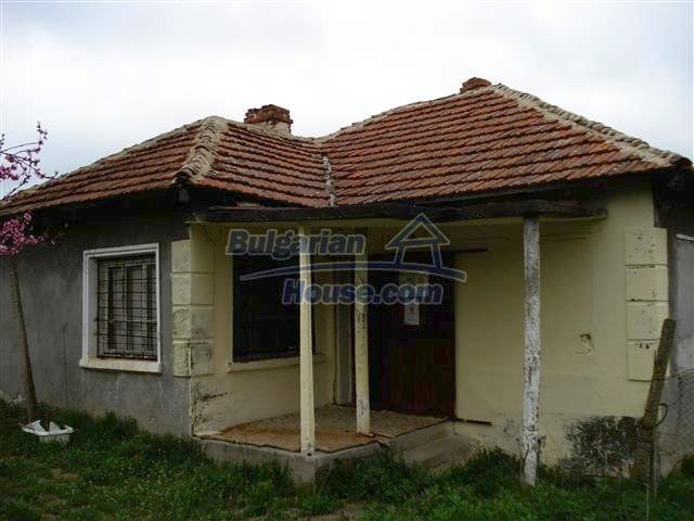 10701:2 - Very cheap Single-storey Bulgarian house with a garden for sale
