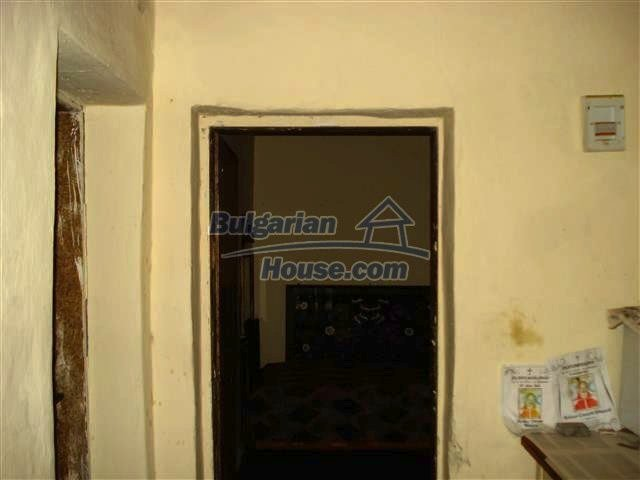 10701:3 - Very cheap Single-storey Bulgarian house with a garden for sale