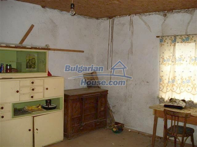 10701:7 - Very cheap Single-storey Bulgarian house with a garden for sale