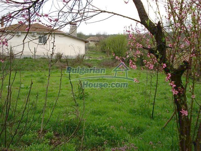 10701:11 - Very cheap Single-storey Bulgarian house with a garden for sale