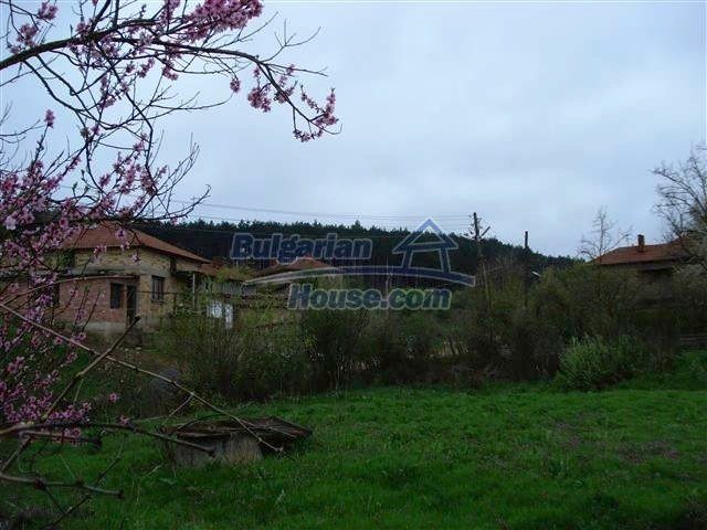 10701:14 - Very cheap Single-storey Bulgarian house with a garden for sale