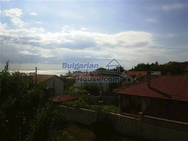 10711:13 - A renovated three-storey house in Balchik