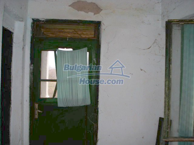 10715:12 - Rural property with a nice garden near Elhovo