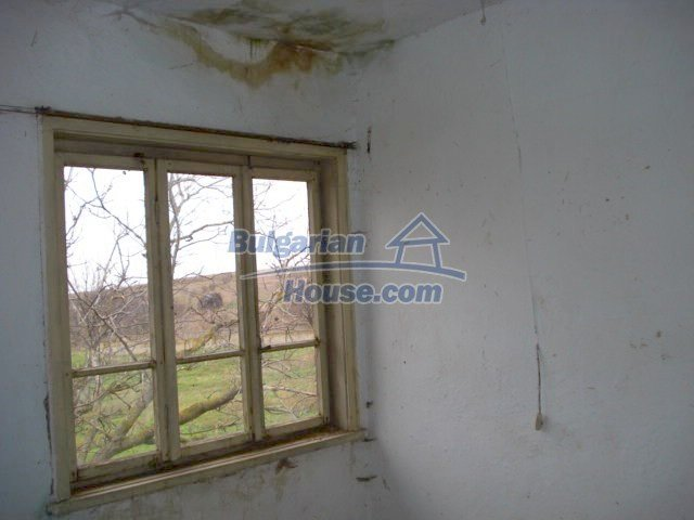 10715:8 - Rural property with a nice garden near Elhovo