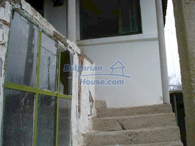 10715:9 - Rural property with a nice garden near Elhovo