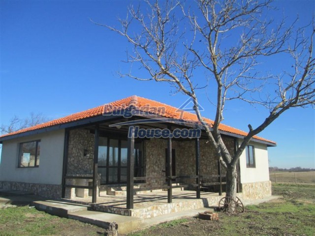 10728:1 - Brick house in a developed village,  20 km from the sea coast