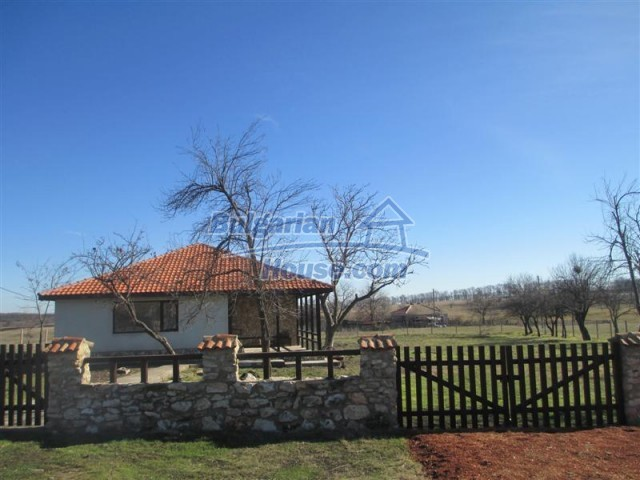 10728:3 - Brick house in a developed village,  20 km from the sea coast